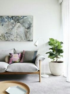 Serene, modern home, Ficus Lyrata in living room / Casa serena y moderna, con… Estilo Interior, Home Interior, Interior Styling, Interior Livingroom, Interior Plants, Living Room Inspiration, Interior Inspiration, Design Inspiration, Cushion Inspiration