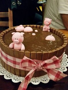 Pig Birthday Cakes, Farm Birthday, Pig Party, Farm Party, Beautiful Cakes, Amazing Cakes, Farm Cake, Cute Desserts, Cute Cakes