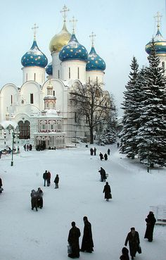 Winter in Russia. Have always wanted to see it, and always in the winter. Don't ask why...