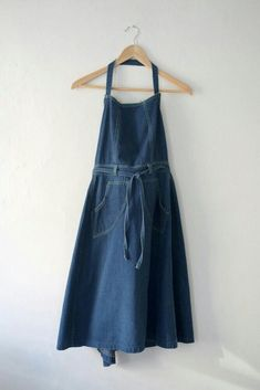 vintage denim apron dress (sold, but at least i own the skirt version) Sewing Clothes, Diy Clothes, Clothes For Women, Estilo Hippie, Apron Dress, Pinafore Dress, Casual Summer Outfits, Vintage Denim, Look Cool
