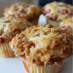 Low Carb Recipes: Low Carb Strawberry Cream Cheese Muffins - use blueberries instead of strawberries. Low Carb Bread, Low Carb Keto, Low Carb Recipes, Keto Fat, Diabetic Recipes, Healthy Recipes, Bolos Low Carb, Cream Cheese Muffins, Low Carb Deserts