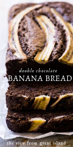 Double Chocolate Banana Bread This easy loaf cake recipe is the ultimate pairing of chocolate and banana and a rich and decadent dessert! Easy Loaf Cake Recipe, Quick Bread Recipes, Banana Bread Recipes, Cake Recipes, Dessert Recipes, Beef Recipes, Walnut Recipes, Pastry Recipes, Fruit Recipes