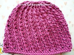 Háčkovaná bekovka se šiltem. :: . Crochet For Kids, Beret, Beanies, Crocheting, Crochet Hats, Knitting, Tattoos, Inspiration, Clothes