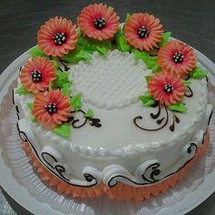 Dort šlehačkový * narozeninový  zdobený květy.