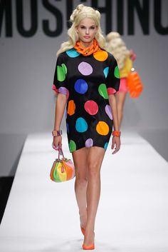 Moschino Spring 2015 Ready-to-Wear Fashion Show