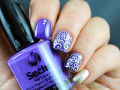 Seche Ornate with a patern from héhé 004 plate  #seche #nailart #nails #nailstamping