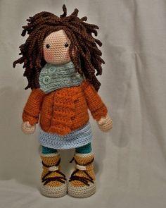 Crochet pattern for doll MONJA (Deutsch, English, Français, Español, Nederlands) - Stricken Cardigan 2019 Crochet Amigurumi, Crochet Doll Pattern, Amigurumi Doll, Amigurumi Patterns, Doll Patterns, Crochet Patterns, Knitting Patterns, Love Crochet, Crochet Baby