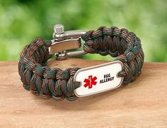 Survival Straps Paracord Bracelets are not only fashionable, they're made of super strong military spec paracord. The ultimate in survival gear! Paracord Bracelet Survival, Paracord Knots, Paracord Bracelets, Survival Straps, Survival Gear, Bracelet Patterns, Camping Gear, Gears, Military