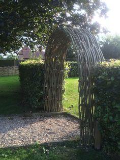 Portfolio and gallery of woven willow work - WonderWood Willow Fence, Willow Garden, Unique Gardens, Beautiful Gardens, Wattle Fence, Sensory Garden, Natural Playground, Playground Ideas, Garden Arches