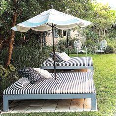 Cool 70+ Gorgeous Outdoor Garden Furniture Ideas https://lovelyving.com/2018/03/08/70-gorgeous-outdoor-garden-furniture-ideas/