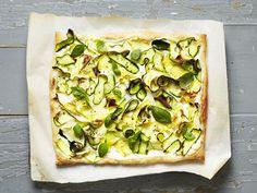 Zucchini-Fladen - smarter - Zeit: 30 Min. | eatsmarter.de