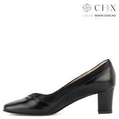2c5744bcc4 A(z) Cipők nevű tábla 24 legjobb képe   Womens high heels, Bootie ...