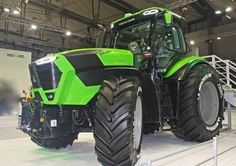 This week at Agritechnica Deutz-Fahr are introducing two completely new tractor ranges to visitors at the event. They say the new offerings bring there high power applications to new levels. New Holland, New Tractor, Big Tractors, Farm Pictures, Star Wars Pictures, Yesterday And Today, Agriculture, Farming, Heavy Equipment