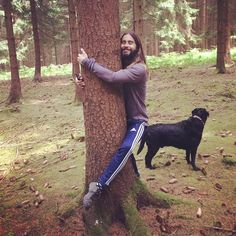 Check out the ridiculous new Jared Leto hugging things meme.