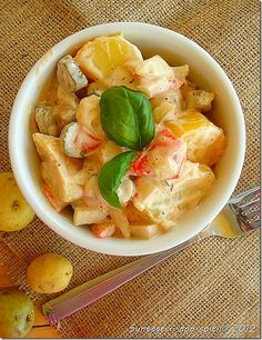 apo spiti: Potato salad with vegetables Greek Recipes, My Recipes, Cantaloupe, Potato Salad, Potatoes, Fruit, Vegetables, Food, Potato
