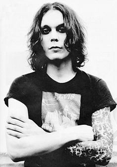 """""""If you let me live then I will kill you, If you kill me then you are forgiven"""" My name is Anthony. Gorgeous Men, Beautiful People, Ville Valo, Gothic Rock, Music Bands, Portrait, Villa, Women, 2000s"""