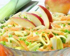 Salade poids plume poireau, carotte et pomme au miso : http://www.fourchette-et-bikini.fr/recettes/recettes-minceur/salade-poids-plume-poireau-carotte-et-pomme-au-miso.html