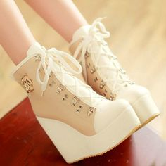 New Design PU Chalaza Lacing Apricot Round Closed Toe Wedges Super High Heel Boots