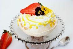 pavlova Pavlova, Cake, Desserts, Food, Sweets, Tailgate Desserts, Deserts, Kuchen, Essen