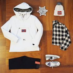 White Xmas #buonnatale #merryxmas #regali #gift #jeans #community #jeanscommunity #outlet #outletvertemate #vertemate #cool #outfit #fashion #fashionaddicted #woman #womanfashion #levis #levis_ita #camiciaquadri #camicia #checks #2star #sneakers #newcollection #prezzibassi #napapijri #skidoo #cappellino - JEANS COMMUNITY by OutletVertemate - Google+