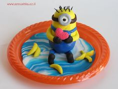 Step-by-step fondant tutorial How to make fondant Minion topper for your cake. Share with us your creations by our tutorial: www.annushka.co.il ♥♥♥♥ SUBSCRIBE TO MY YOUTUBE CHANNEL: ♥♥♥♥ https://www.youtube.com/channel/UCuAkwGWlVR2FCBRny35IfwA