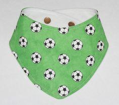 Halstücher - Halstuch Dreieckstuch Fußball mit Druckknopf - ein Designerstück…