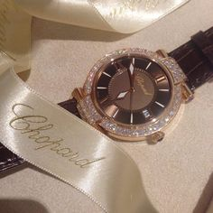 Twitter / Chopard: Who could resist that chocolate-toned IMPERIALE watch?
