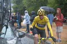 Le Tour de France @letour Champagne for @chrisfroome!  #TDF2015 pic.twitter.com/MOH5IzUjW4
