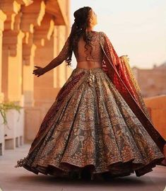 2020 indian bride by trendylehenga - boardss. Wedding Lehnga, Indian Wedding Gowns, Indian Bridal Outfits, Indian Bridal Lehenga, Indian Bridal Fashion, Indian Bridal Wear, Indian Designer Outfits, Wedding Dresses, Gold Lehenga Bridal