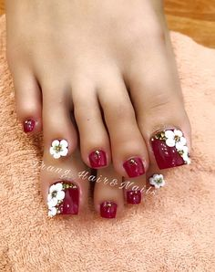 Pedicure ideas red toenails simple 60 ideas for 2019 Pedicure Designs, Pedicure Nail Art, Toe Nail Designs, Toe Nail Art, Pedicure Ideas, Nails Design, Pretty Toe Nails, Cute Toe Nails, Cute Acrylic Nails
