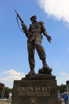 Green Beret Statue at Fort Bragg, NC