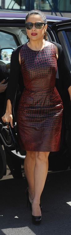 Who made  Salma Hayek's brown dress?