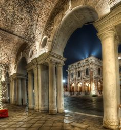 Italian food will be very important to you during and after your Italy vacation. Most people are usually surprised by the diversity of food in Italy Vicenza Italy, Venice Italy, Monuments, Cool Places To Visit, Places To Go, Old Town Italy, All About Italy, Calabria Italy, Andrea Palladio