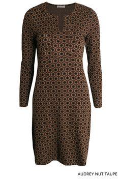 Audrey Nut Taupe von KD Klaus Dilkrath #kdklausdilkrath #kd12 #audrey #dress #nut #taupe #fashion #november #kdklausdilkrath #kd #dilkrath #kd12 #outfit