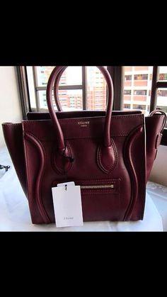 Céline Luggage ❤️ #inspo,  bag Celine Purse, Celine Handbags, Celine Luggage, Large Handbags, Purses And Handbags, Fashion Tips For Women, Luxury Bags, French Fashion, Fashion Bags