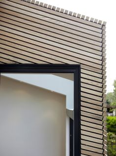 Exterior cladding materials texture new ideas Cladding Materials, Timber Cladding, Exterior Cladding, Exterior Design, Interior And Exterior, Exterior Solutions, Wooden Facade, Exterior Paint Colors For House, Wood Architecture