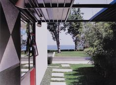 Case Study House #9 / Entenza House / Charles Eames and Eero Saarinen / Designed and built between 1945-1949 for John Entenza / Included in 2013 on US's National Register of Historic Places