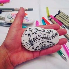 #brainstone #paintedstones #paintedrocks #beautifulstones #music que musica e esta? What music is this?