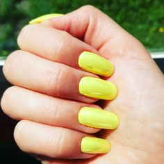#neon #yellow #pearl #nails :D