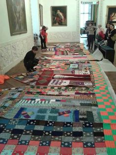 "This is the yarnbombing instalation ""Felicitas"" in the Palazzo Madama, Turim, Italy. Made by the group Madama knit !! It´s a wonderful work!! You can see more of their work here -  http://madamaknit.blogspot.pt/ by StoryMakers Portugal"