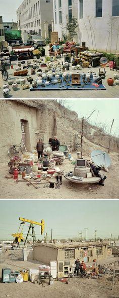 Fotógrafo registra famílias ao lado de tudo o que possuemO fotógrafo chinês Huang Qingjun criou um projeto chamado de Coisas de Família, no qual ele fotografou famílias chinesas moradoras d regiões remotas do país, ao lado d tds os os seus pertences. A série d fotografias nos traz uma reflexão sobre o consumismo e a necessidad real do acúmulo d coisas materiais. Qingjun espera expandir seu projeto para fotografar também famílias de renda mais alta – o que, definitivamente, seria mais…