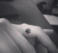 tatuagem masculina pequena cachorro