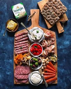 Easy Low-Carb & GF Cheese Platter 101 Keto Ideas Entertaining over Easter? An antipasto board with cheese, charcuterie, olives and nuts is an easy but impressive low-carb option (the crackers are for the guests ) image via Plateau Charcuterie, Charcuterie And Cheese Board, Charcuterie Platter, Meat Platter, Antipasto Platter, Charcuterie Keto, Antipasti Board, Cheese Boards, Party Food Platters