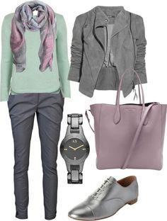 Для повышения контрастности до средней вводим в гардероб серый, синий и коричневый средней насыщенности.
