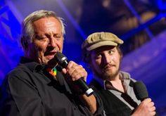 Songs an einem Sommerabend 2014 auf Kloster Banz - Gelungener Schnappschuss von Konstantin Wecker & Dominik Plangger (Foto von Steffen Ittig bei der Neuen Presse Coburg)