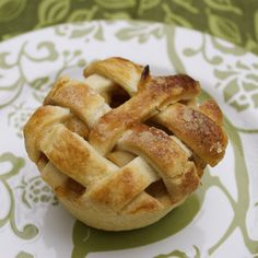 Mini Apple Pies - Mama's Gotta Bake Mini apple pies in a muffin tin<br> These Mini Apple Pies are the perfect little treat for your holiday table…or for any time at all. They boast a juicy apple filling and a flakey, buttery crust. Apple Desserts, Apple Recipes, Holiday Recipes, Baking Desserts, Holiday Desserts, Pie Dessert, Dessert Recipes, Mini Apple Pies, Mini Pies