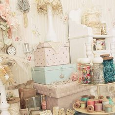 Gorgeous Arts and Crafts room!