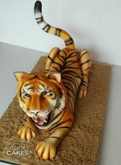 Vendor Love: Avalon Cakes - Wedding Cakes / Tiger Cake / Groom's Cakes / Colorado #misscountrymusicbride #itsabrideslife #davidtutera