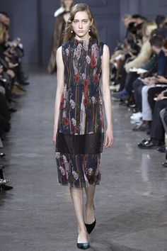 See the complete Jason Wu Fall 2016 Ready-to-Wear collection.