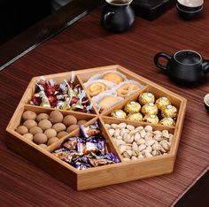 Fashion dried fruit box with cover bamboo nuts snack bowl dish plates candy storage tray Loja Online Fruit Snacks, Fruit Recipes, Fruit Smoothies, Dry Fruit Box, Dried Fruit, Fruit Packaging, New Fruit, Fruit Fruit, Snack Bowls